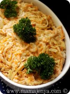 Рыба с грибами и овощами в сметанном соусе