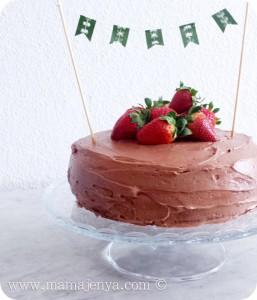 Шоколадный торт с клубникой рецепт с фото 5